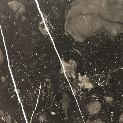 Atlas-Black-close-up-RED - Blanco Carrara -